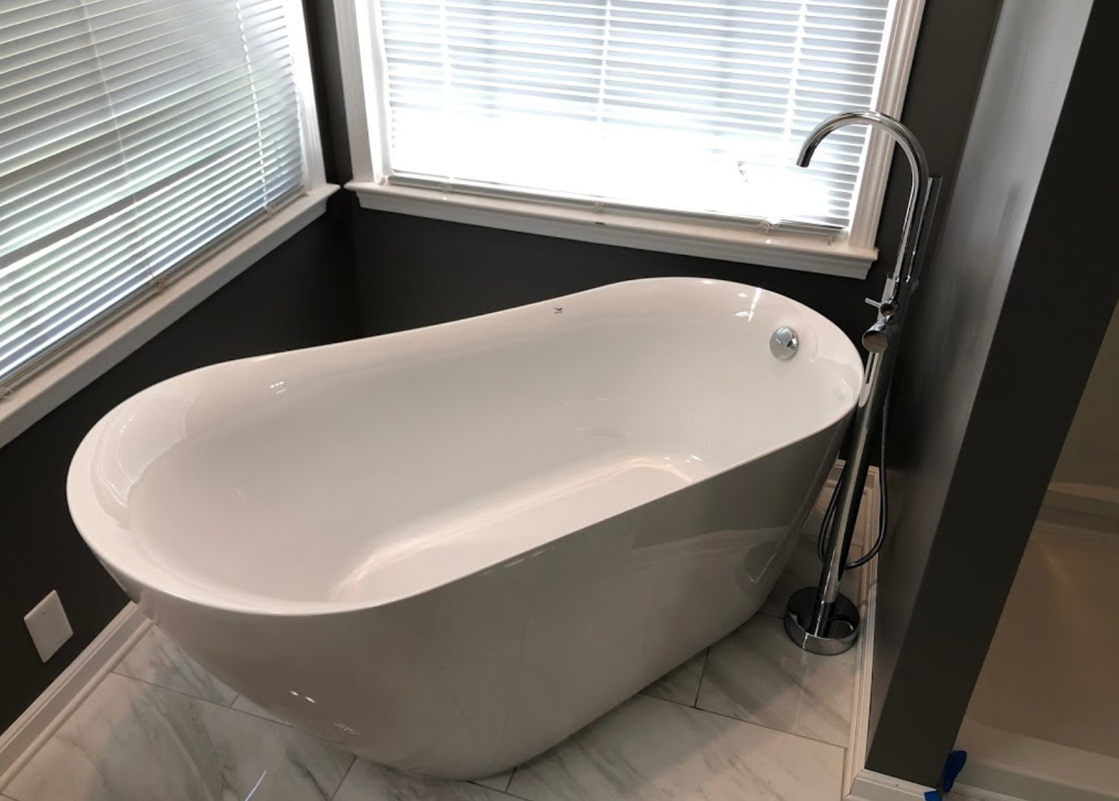 bathroom - tub-and-faucet-installation (1)